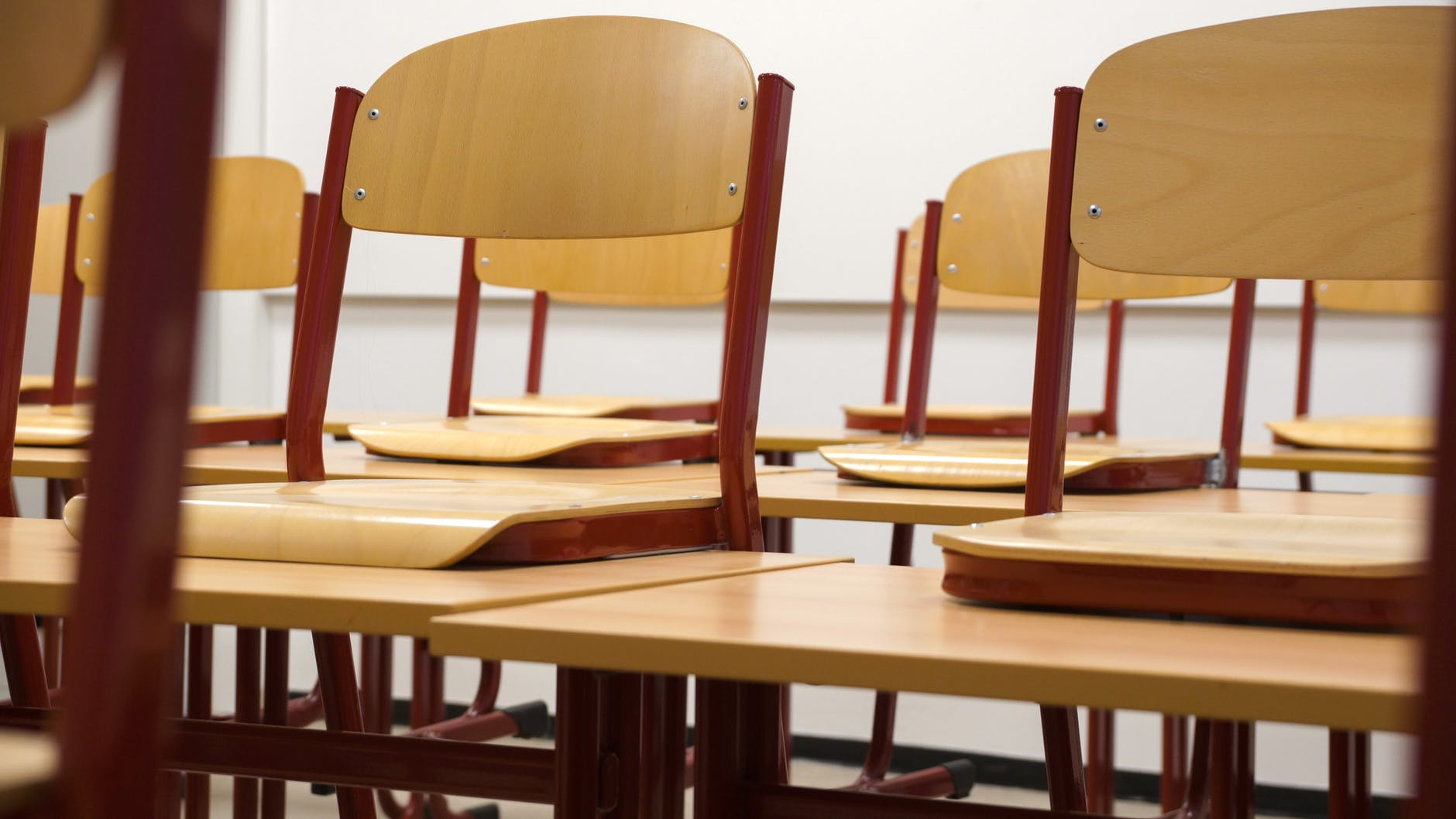 The Best Classroom Seating Arrangements for Student Learning