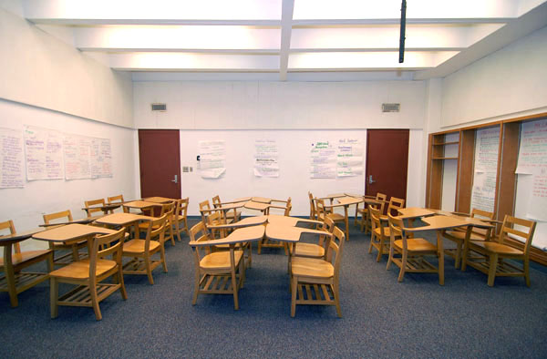 Horseshoe Classroom Design ~ The best classroom arrangement ideas for learning safsms